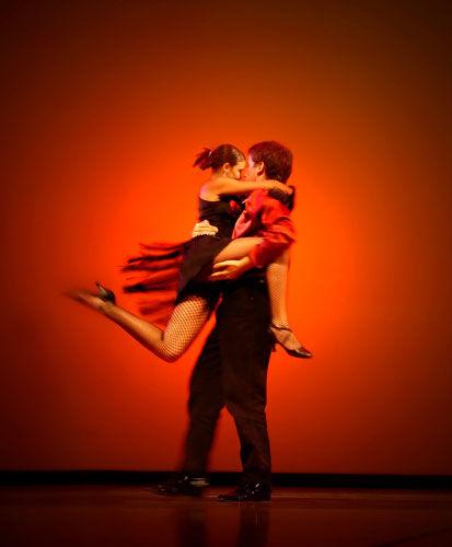 Pohyb, tanec aVodnari