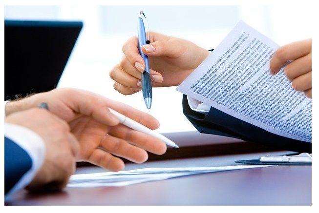 dokumenty, podpisy, smlouvy